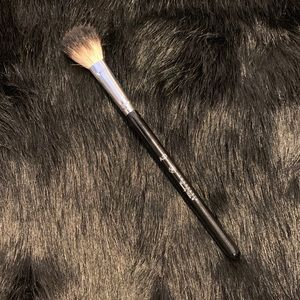 Anastasia Beverly Hills Makeup - Anastasia Beverly Hills A23 Brush
